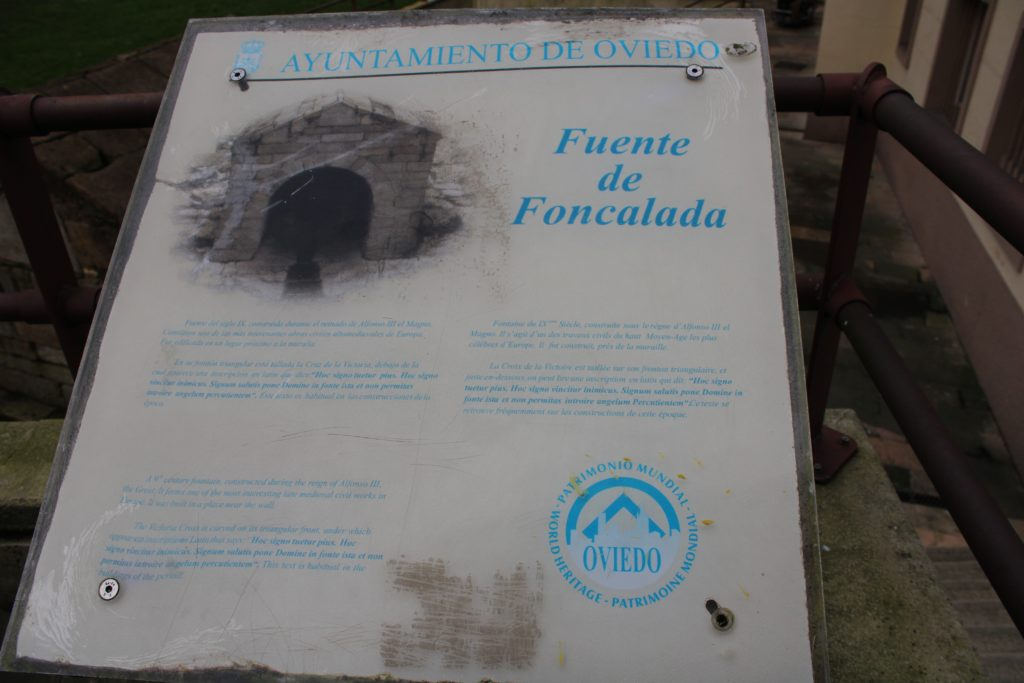 Plaque at the Foncalada Fountain