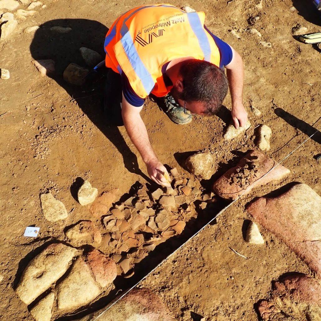 Nicolas Revert excavating
