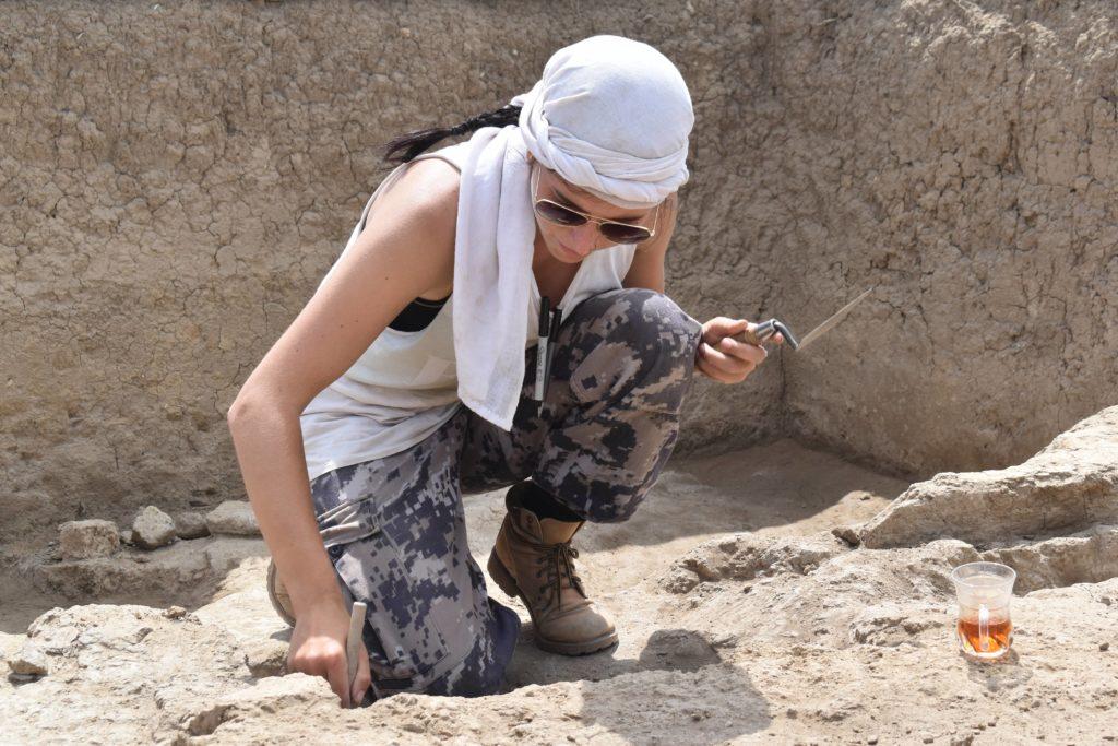 Judyta Olszewski excavating in Georgia