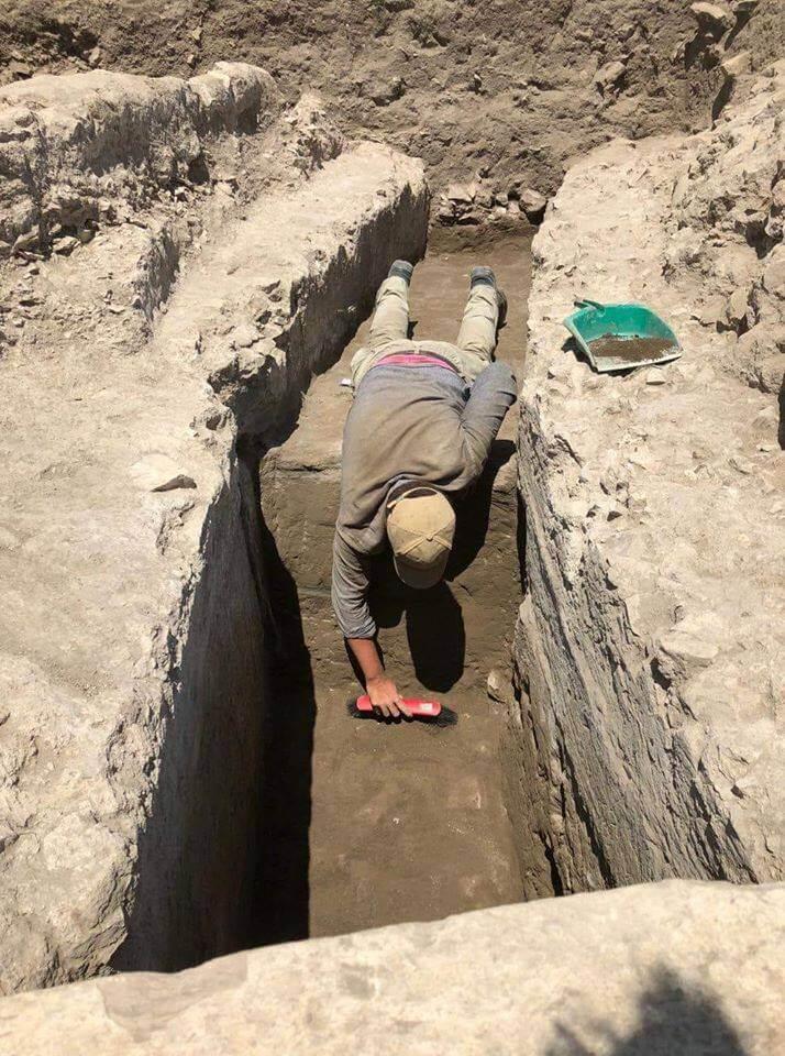 Eoin Byrne excavating