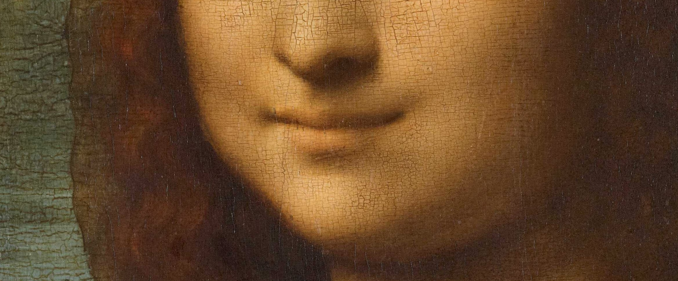 """Close up of the famous """"Mona Lisa smile"""""""