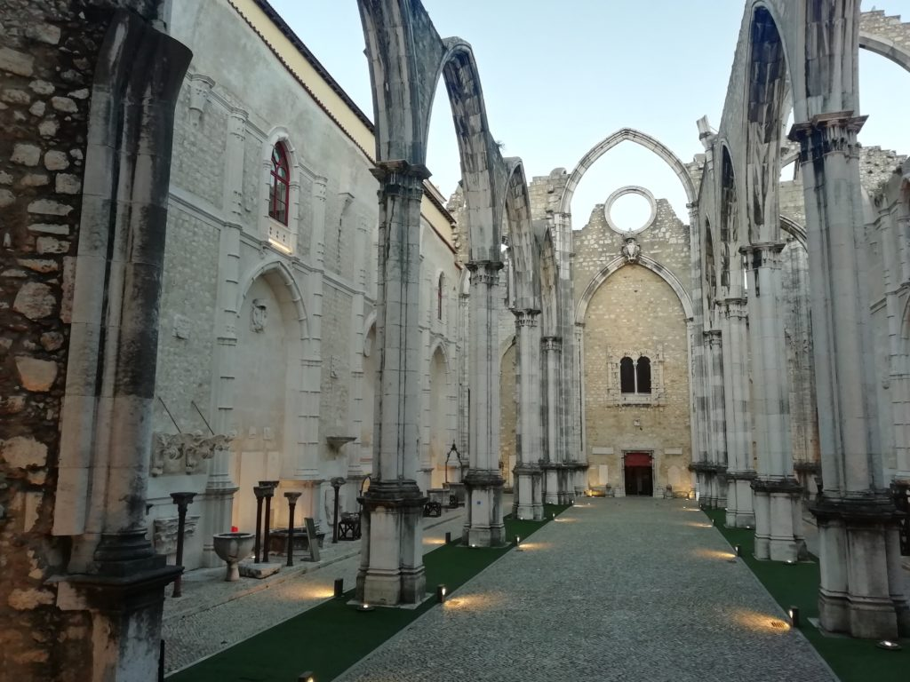 Convento do Carmo: A Roofless Survivor
