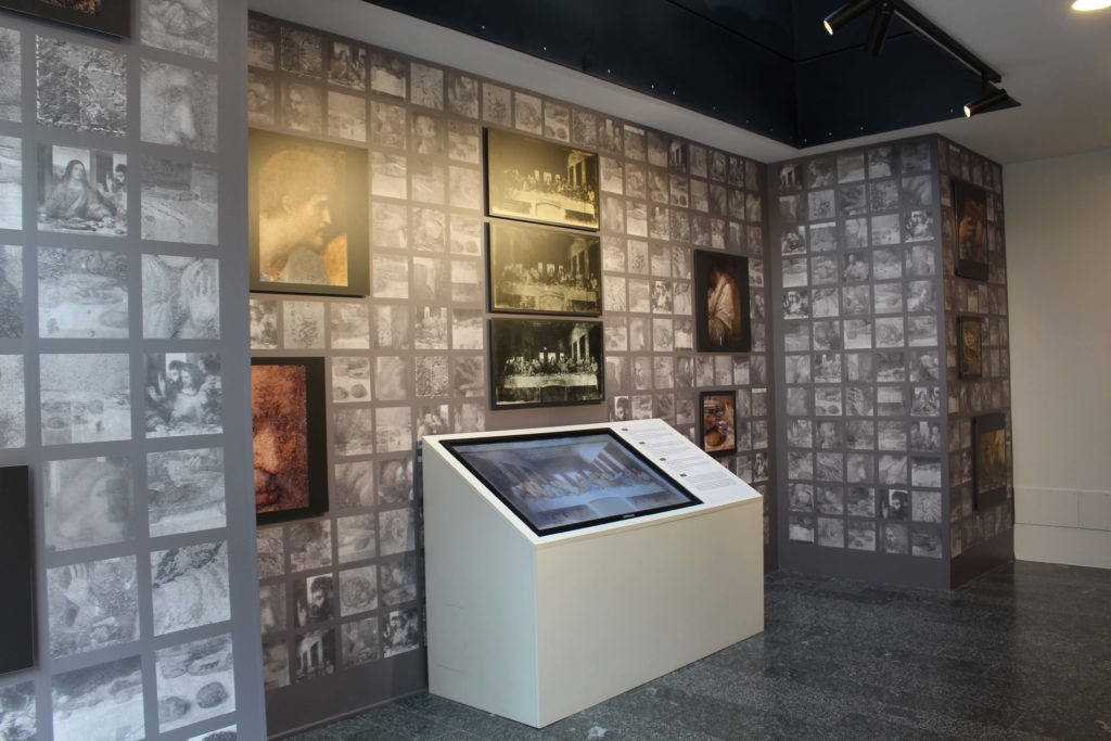The exhibition: the restarations' hall