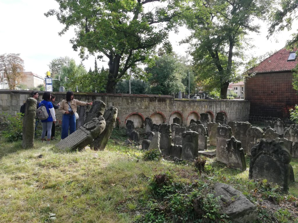 The image shows the condition of the Jewish cemetery