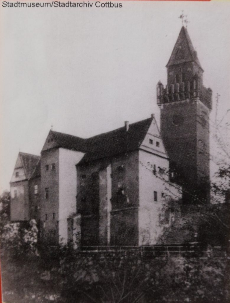 The old castle before 1905