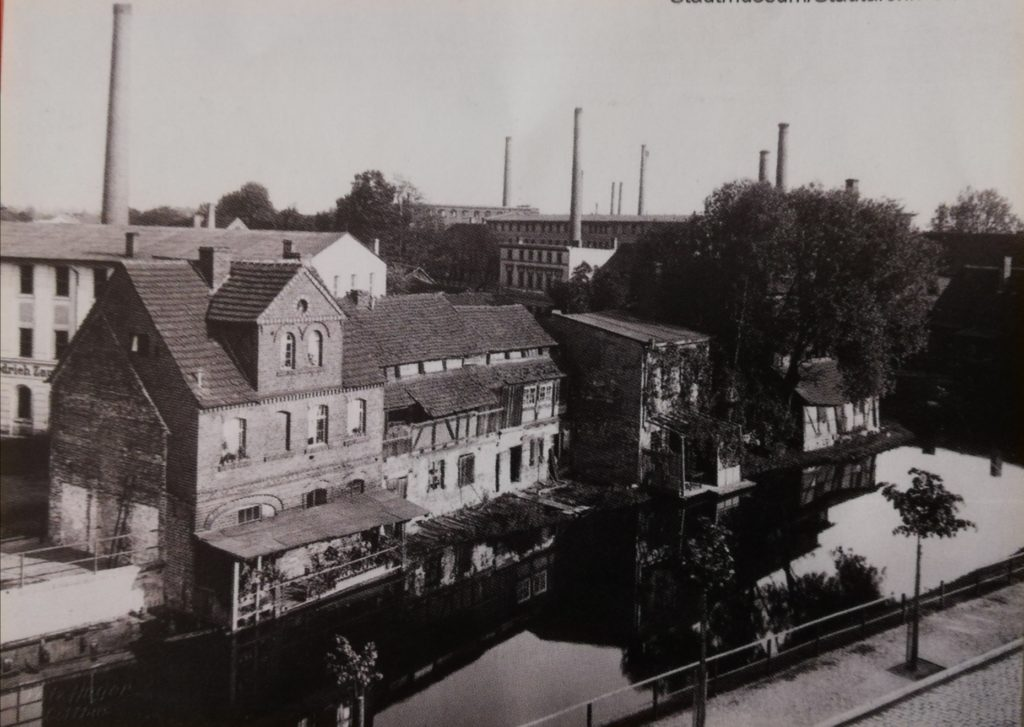 The Southern bank of Spree river near Uferstrasse in 1905